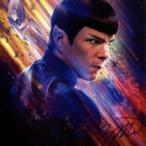 Fotografia-Autografata-da-Zachary-Quinto-Star-Trek--818x1024