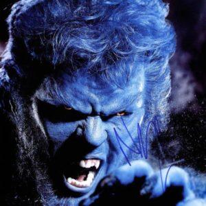Fotografia-autografata-da-Nicholas-Hoult-X-Men-mutante-Bestia--818x1024